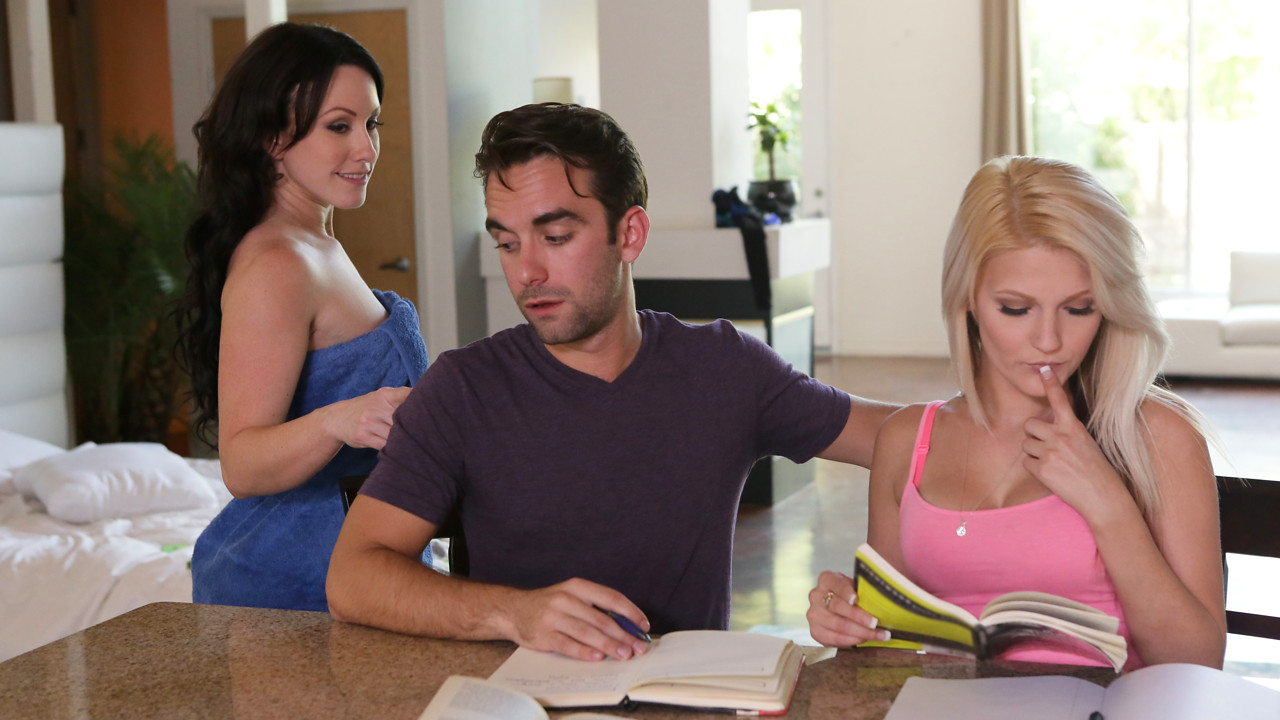 MomsTeachSex – Cock Hungry Stepmom – Hope Harper, Jennifer White