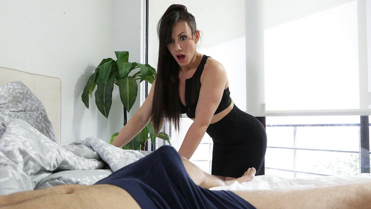 MomsTeachSex – Morning Wood – Jennifer White