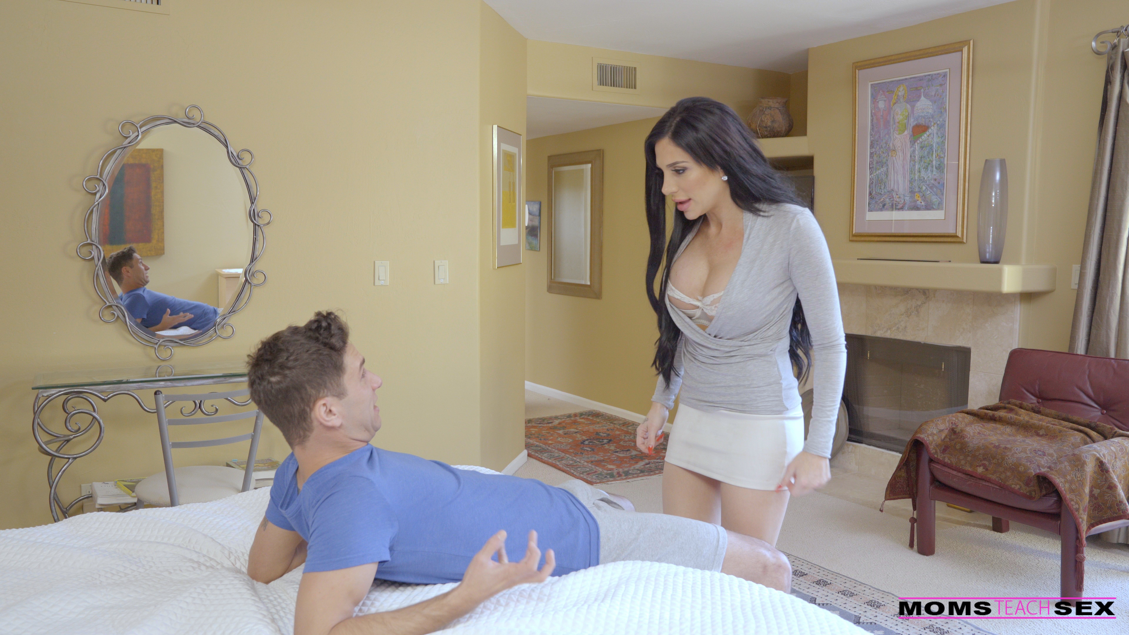 MomsTeachSex.com - Jaclyn Taylor,Sierra Nicole: Sex Lessons From Mama - S6:E4